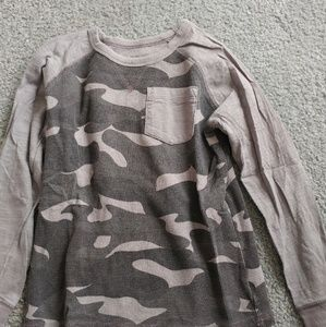 Boys camo shirt - Size 6